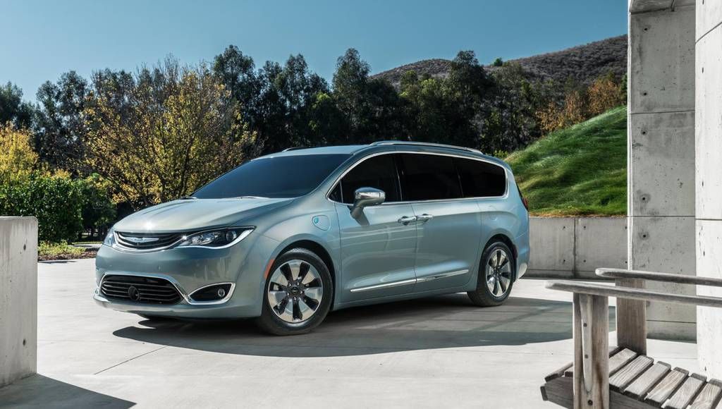 2017 Chrysler Pacifica Hybrid US prices announced