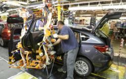 2017 Subaru Impreza enters production in US