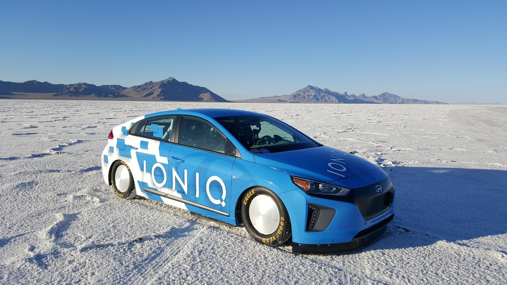 Hyundai Ioniq set new world record speed for a hybrid