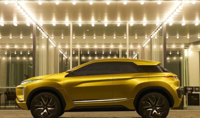 Mitsubishi eX Concept makes US debut