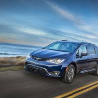 2017 Chrysler Pacifica achieves 84 mpg fuel consumption