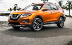 2017 Nissan Rogue SL front exterior