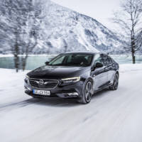 Opel Insignia Grand Sport has an intelligent AWD system