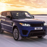 Range Rover Sport SVR - Acceleration test in any conditions from sand to wet grass