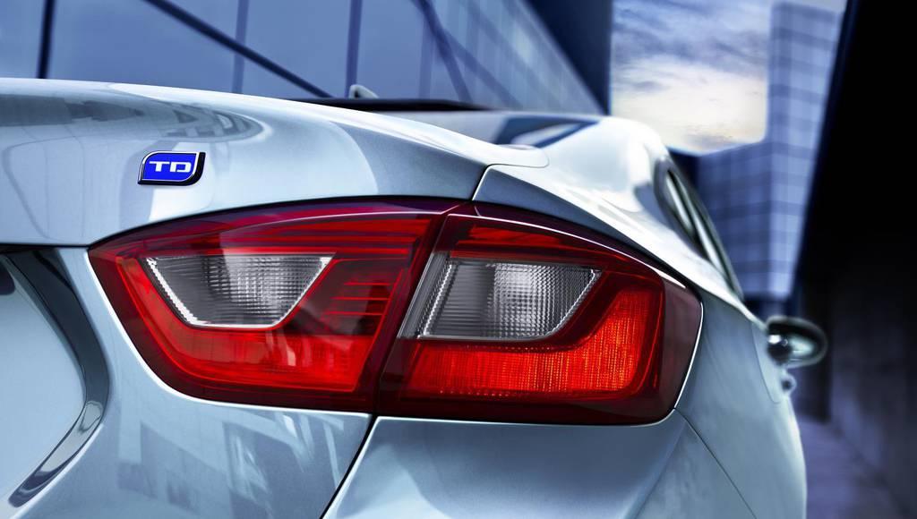 2017 Chevrolet Cruze Sedan diesel returns 52-MPG