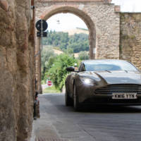 Aston Martin DB11 V8 will debut in less than a month