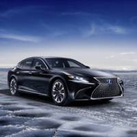 Lexus LS500h unveiled in Geneva