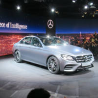 Premium sales in March - Mercedes-Benz rocks