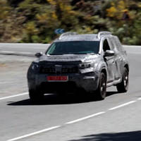 2018 Dacia Duster - First spy video