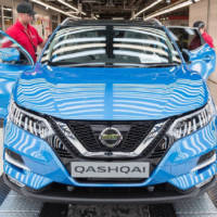 Nissan Qashqai enters production in UK