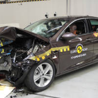 Opel Insignia scores five stars in EuroNCAP tests