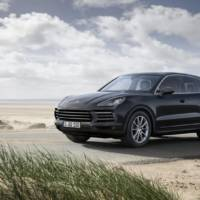 2019 Porsche Cayenne official photos and details