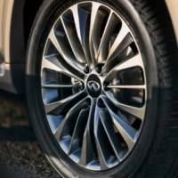 2018 Infiniti QX80 - official teaser pictures