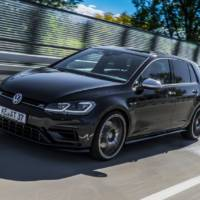 This Volkswagen Golf R facelift has 400 HP thanks to ABT Sportsline