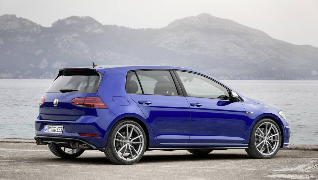 Volkswagen Golf R receives a Performance Pack