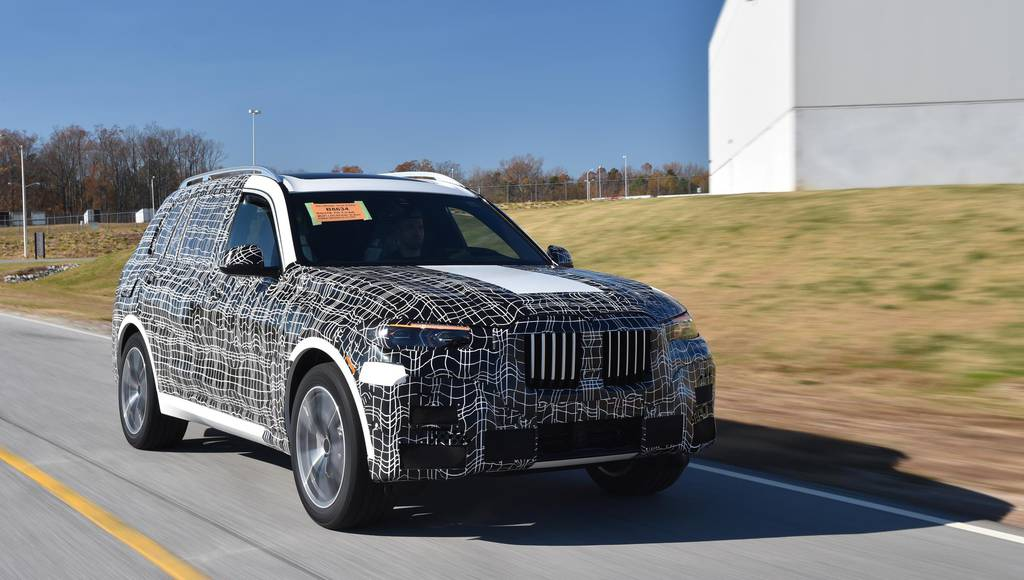 First BMW X7 units roll of the line