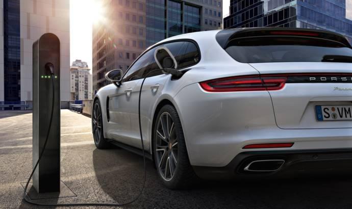 High demand for Porsche Panamera hybrid versions