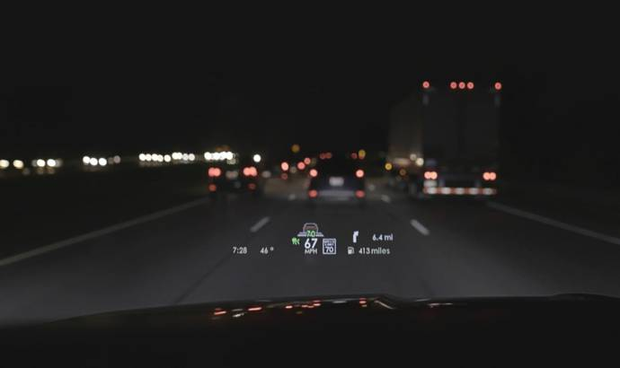 Lincoln offers new head-up display for Navigator