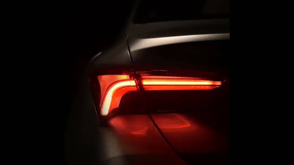 2019 Toyota Avalon - new teaser video