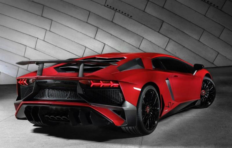Lamborghini Aventador succesor might be a hybrid