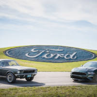 The first 2019 Ford Mustang Bullitt was auctioned for 300.000 USD