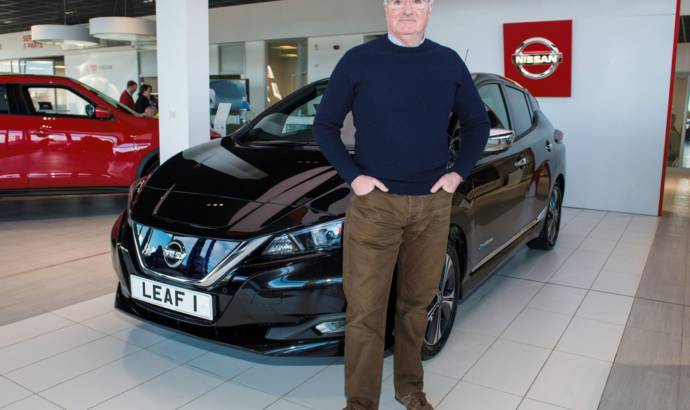 Nissan Leaf reaches its first client