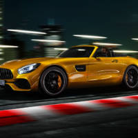 This is the new Mercedes-AMG GT S Roadster