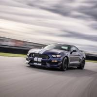 2019 Ford Mustang Shleby GT350 comes with an updated suspension and new colors