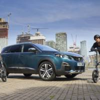 Peugeot launches eF01 Electric Bike together with its 5008 SUV