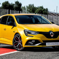 This is the new Renault Megane RS Throphy