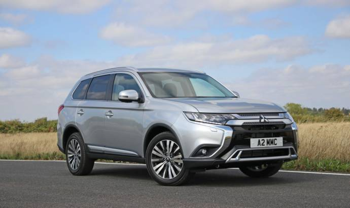 2019 Mitsubishi Outlander petrol available in UK