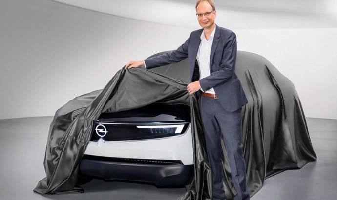 New teasers with the Opel GT X Experimental Concept