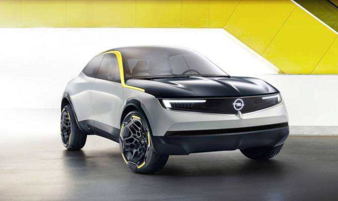 This is the Opel GT X Experimental, the concept that is providing a glipse of what will look the future electric cars