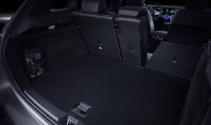 Video - 2019 Mercedes-Benz B-Class interior teaser