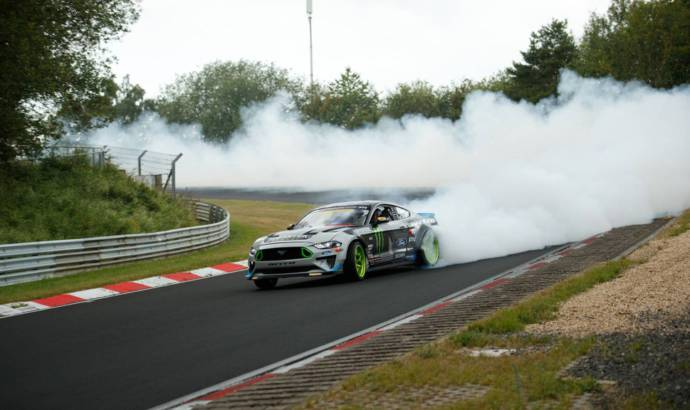 This 900 HP Ford Mustang RTR is drifting around the Nurburgring
