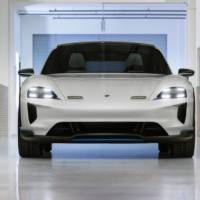 Porsche Mission E Cross Turismo gets green light for production