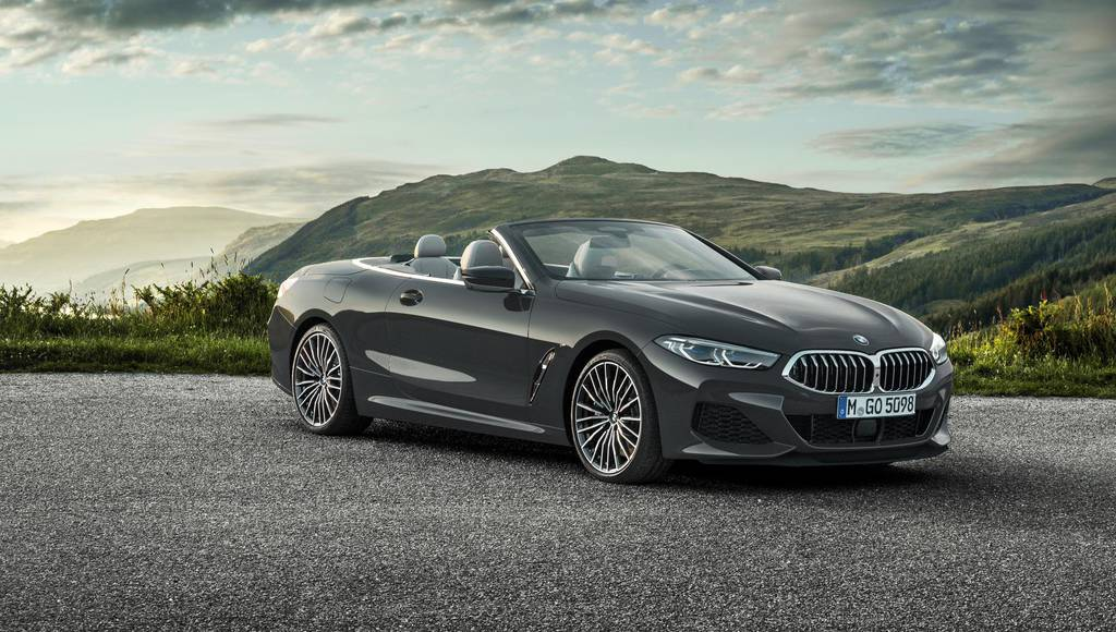 BMW 8 Series Convertible officially revealed