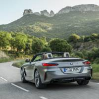 2020 BMW Z4 M40i and sDrive30i Roadster unveiled