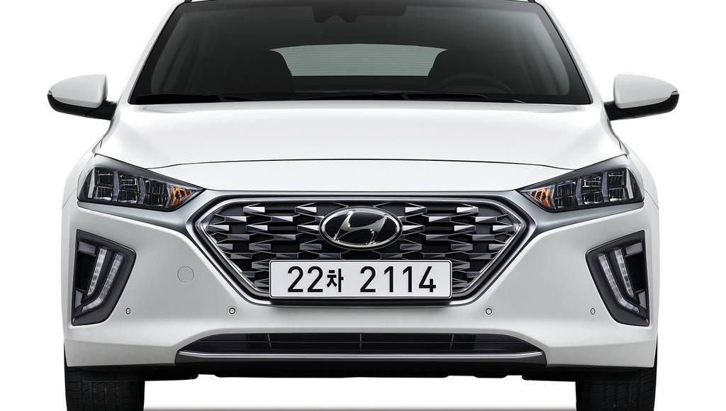 Hyundai unveiled the 2020 Ioniq Hybrid and 2020 Ioniq Plug-in Hybrid cars