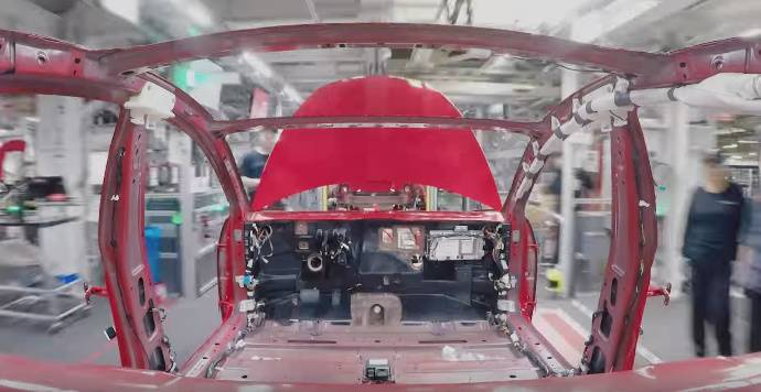 Time-lapse video: watch how a new Tesla Model 3 is made