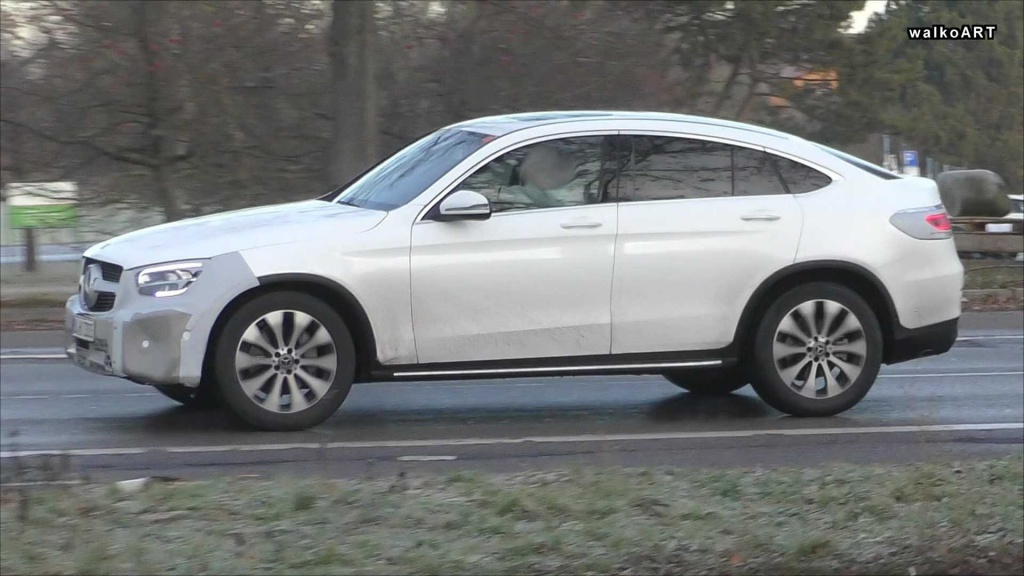 Video: Mercedes-Benz GLC Coupe facelift spied with little camo