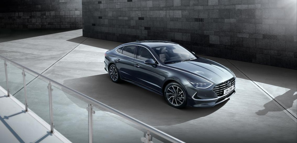 New Hyundai Sonata unveiled by official images