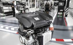 Mercedes builds the most powerful 2-liter engine in the world