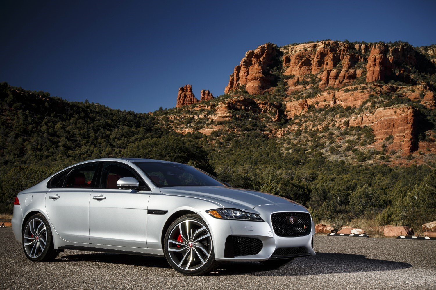 2018 Jaguar XF Sedan Specs, Review, and Pricing | CarSession
