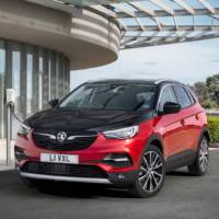 Vauxhall Grandland X Hybrid4 UK pricing announced