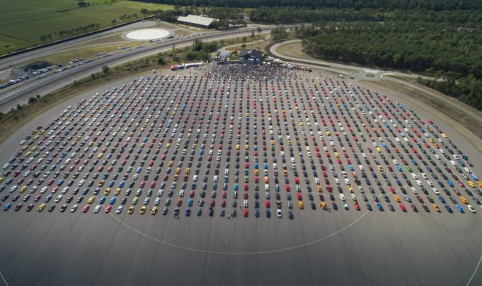 Ford sets world record for largest Mustang parade
