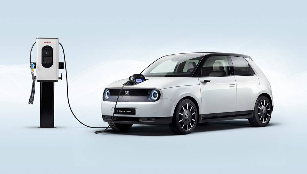 Honda e electric vehicle has a base price of 26160 GBP in the UK