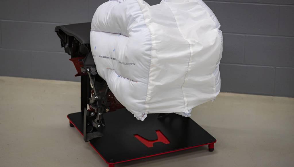 Honda introduces new airbag design