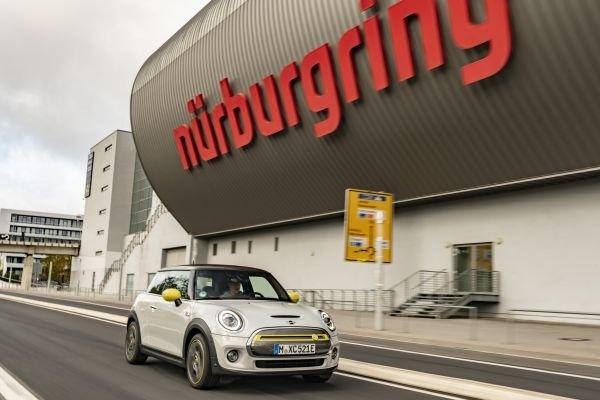 Mini Cooper SE lapped the Nurburgring without braking