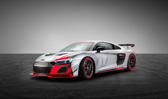 Audi unveiled the R8 LMS GT4